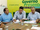 Gerson Claro anuncia que asfalto do frigorífico de Sidrolândia vai sair do papel