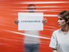 Cientistas dizem que coronavírus é transmissível pelo ar e pedem revisão à OMS