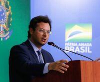 Empresa de chefe da Secom ganhou menos no governo Temer