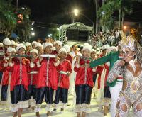Com hotéis lotados e muita animação, Corumbá espera público recorde nos desfiles
