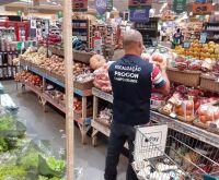 Procon Campo Grande autua Pão de Açúcar e descarta 26 kg de alimentos impróprios
