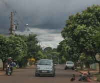 Alerta de chuva intensa com ventos de até 100 km por hora está mantido