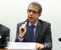 """Ex-ministro da Saúde: """"sem isolamento social teremos uma tragédia"""""""