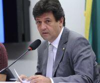 Dois médicos fizeram pressão para que saísse decreto de cloroquina, diz Mandetta