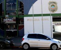 Comerciante é achado morto com facada na axila em rua da Capital