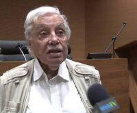 Ex-presidente do BNDES Carlos Lessa morre aos 83 anos por Covid-19