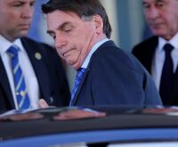 Governo opta por pagar dívida e veta repasse à estados para combater a covid-19