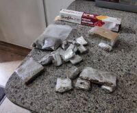 Polícia 'estoura' boca de fumo e prende traficante em Dourados