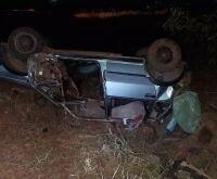 Três pessoas morrem em capotagem de Fiat Uno na MS-430