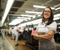 Engenheira assume pela 1ª vez comando de fábrica da Fiat no Brasil