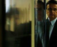 Facebook liga assessor de Bolsonaro a contas falsas e ataques a opositores