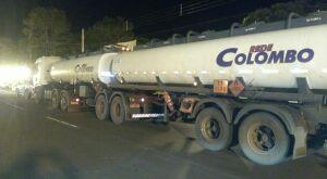 PMA apreende bitrem com 47 mil litros de etanol em Mundo Novo