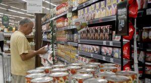 Preços dos alimentos voltam a cair e aliviam a inflação, diz FGV