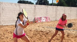 Atletas disputam etapa final do Beach Tennis em Bonito
