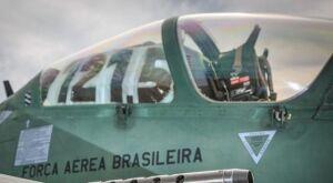 Força Aérea intercepta a tiros aeronave suspeita de tráfico na fronteira