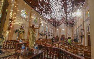 Igrejas e hoteis são alvos de ataques terroristas no Siri Lanka