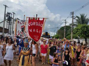 Carnaval de rua continua nesta segunda na Estação Ferroviária