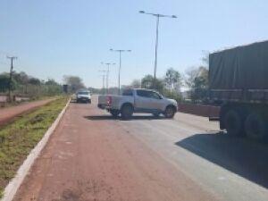 Rodovia é bloqueada por indígenas que pedem melhorias em aldeias