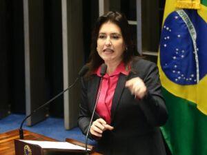 Dilma diz no Senado que crise não decorre de decretos