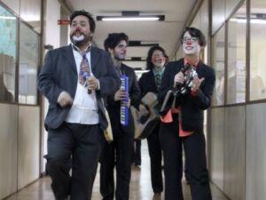 Grupo com humor alerta servidores do uso conciente dos recursos públicos