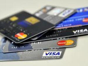 Cartões de lojas e empréstimos elevam inadimplência em 27 capitais