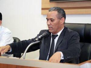 Vereador continua sem resposta da prefeitura sobre manutenção de cemitério