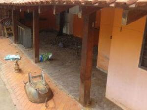 Homem desumano é preso por manter cinco cahorros em condições de ameaça a vida