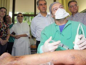 Atendimento a pacientes no Hospital São Julião tem presença de Governador
