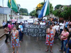 Indígenas fazem protesto contra portarias do Ministério da Saúde