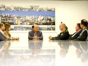 Comandante do CMO visita Assembleia para estreitar relações