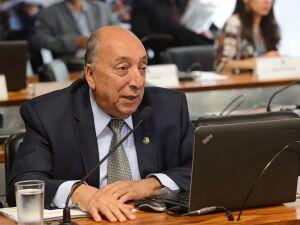 Vice-presidente do Conselho de Ética vai assinar requerimento para investigar Aécio