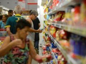 Mercado reduz estimativa de inflação em 2017 e 2018