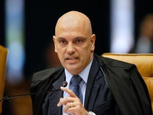 Votação sobre afastamento de Aécio será aberta, determina Moraes