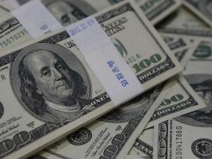 Bolsa sobe e dólar cai após governo se mobilizar para aprovar reforma