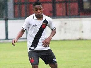 Garoto com câncer da base do Vasco recebe apoio de clubes e atletas