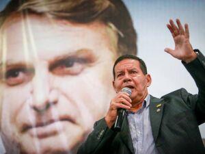 Após desgaste, Bolsonaro enquadra Mourão e Guedes