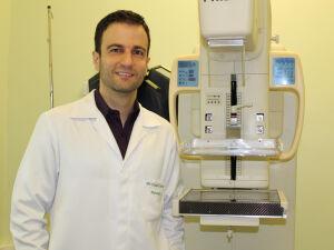 Dr. Evandro Canhaço, mastologista do HU-UFGD