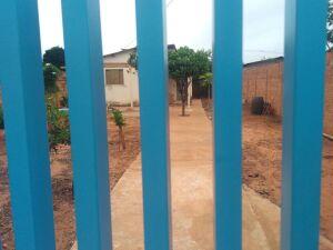 Casa onde idoso foi encontrado no bairro Vila Nova Capital, em Campo Grande, na noite desta quinta-feira