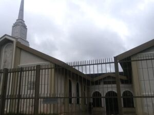 Homem esfaqueia fiéis na Igreja de Jesus Cristo dos Santos dos Últimos Dias, em Aparecida de Goiânia