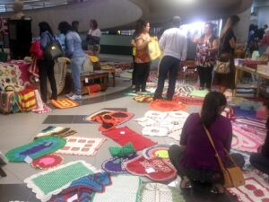 Feira reúne produtos e serviços criados por pessoas com deficiência visual