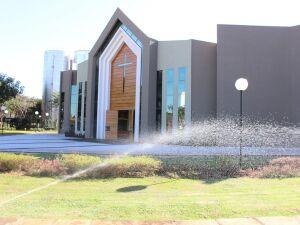 Água captada das chuvas é reaproveitada na manutenção dos jardins da UCDB
