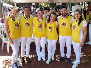Alunos de Farmácia da UCDB que participaram do evento na Praça Ary Coelho, em Campo Grande