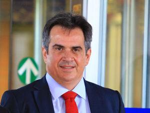 Dono de carros de luxo, político e empresário, Ciro Nogueira é alvo da PF nessa manhã