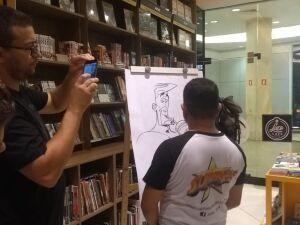 Estão participando do artist alley nove autores e quadrinistas