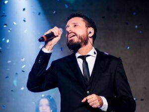 Leonardo Gonçalves em apresentação