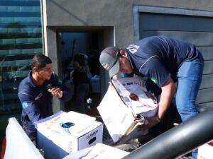 Policiais federais recolhem produtos eletrônicos contrabandeados em empresa na manhã de hoje