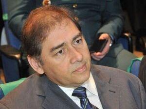 Ex-prefeito é criticado por falta de diálogo entre filiados do partido