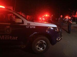 Suspeito de tráfico morre durante troca de tiros com a polícia