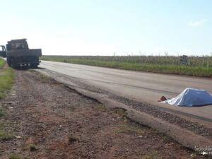 Homem morre ao ser atropelado por caminhão na MS-162
