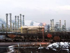 Irã ameaça violar acordo nuclear se Europa não frear Trump